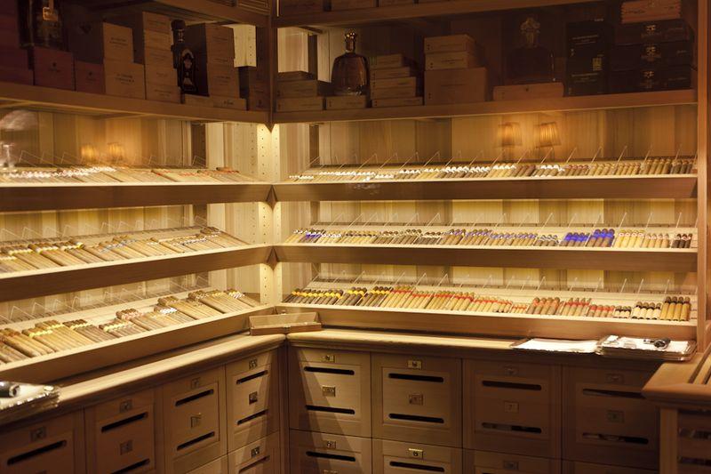 08_Salon_du_Cigare